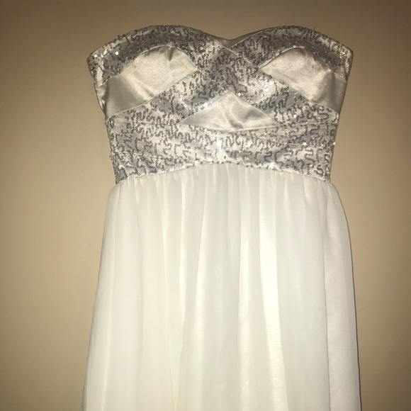 Adrianna Papell Dresses & Skirts - Homecoming/Prom dress
